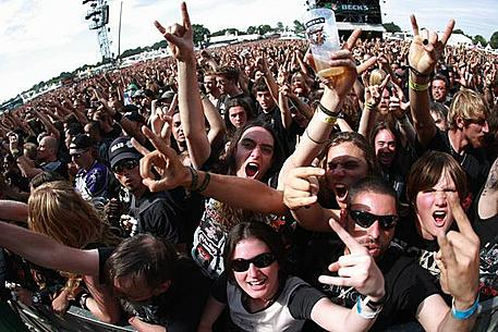Metal fans. Just a bunch of Satan-worshiping losers right? [<a href=http://thehellionrocks.files.wordpress.com/2012/08/46749-ddp_0176020099394613.jpg><b>Source</b>]</a>